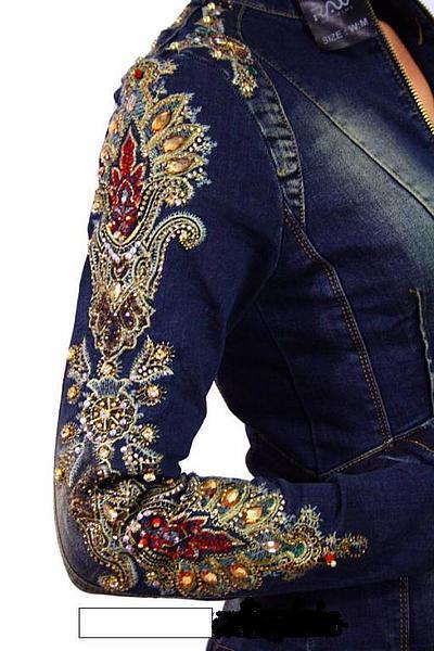 Одежда с камнями стразами вышивками